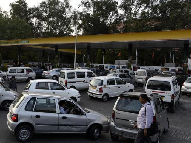 IGL is setting up one CNG dispensing station every two days, a world record, to meet the increased demand for gas.