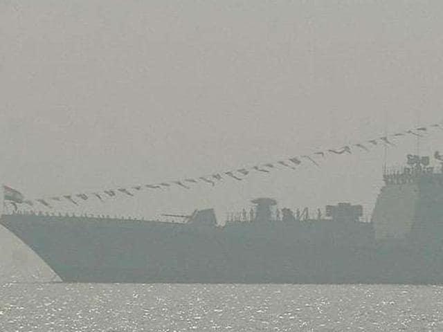 Indian Navy,Naval ship explosion,Oxygen cylinder explosion