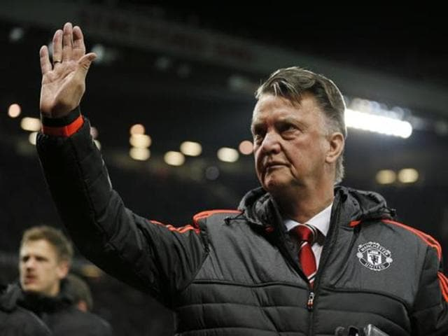 Louis van Gaal will resist the temptation to rotate his squad when Manchester United host Crystal Palace on Wednesday needing a victory to maintain any realistic hope of a top-four finish in the Premier League.
