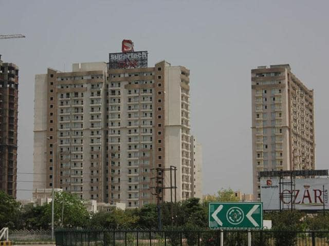 Supertech Czar villas in sector Omicron 1, Greater Noida.