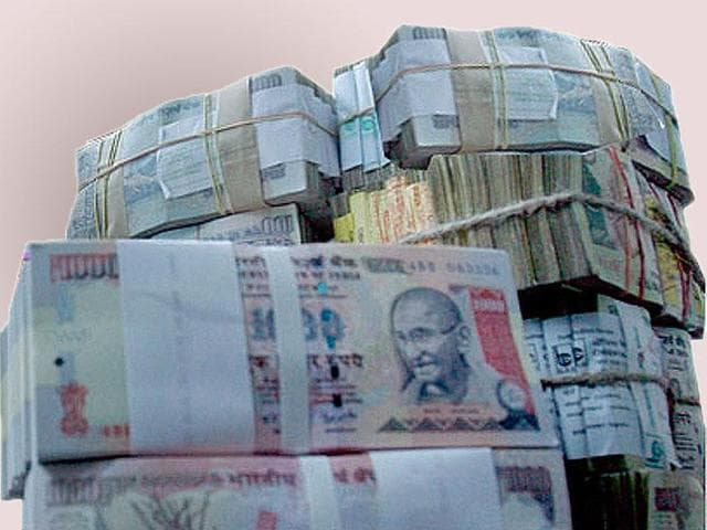 (Representative image)A sum of Rs 1.34 crore, being taken to Kerala illegally, was seized from two people travelling in a bus at the Coimbatore bus-stand.
