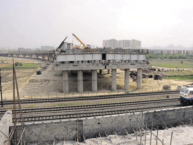 The 3.65-km elevated link road is complete on both sides — Vijay Nagar and Meerut Crossing.