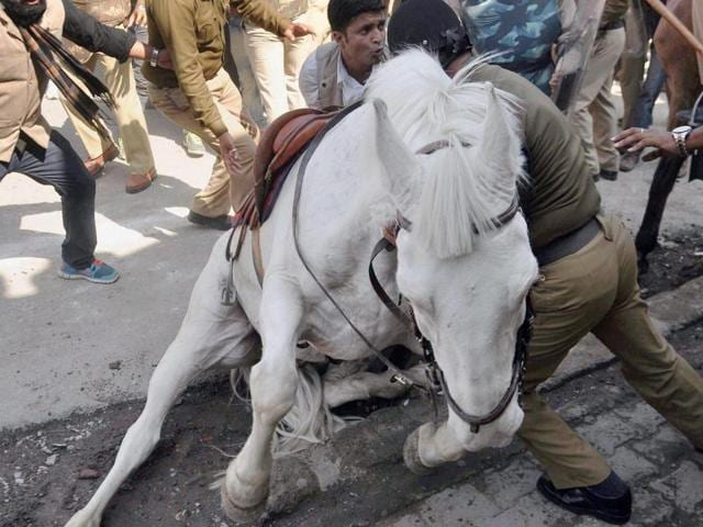 Shaktiman, the Uttarakhand police horse that was attacked during a BJP rally in March, died in Dehradun on Wednesday.