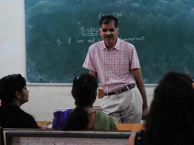 Lecturer vacancy