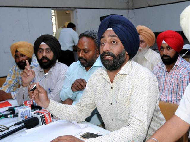 Budha Dal Public School parents' body adviser JSSodhi  addressing a press conference in Patiala on Wednesday.