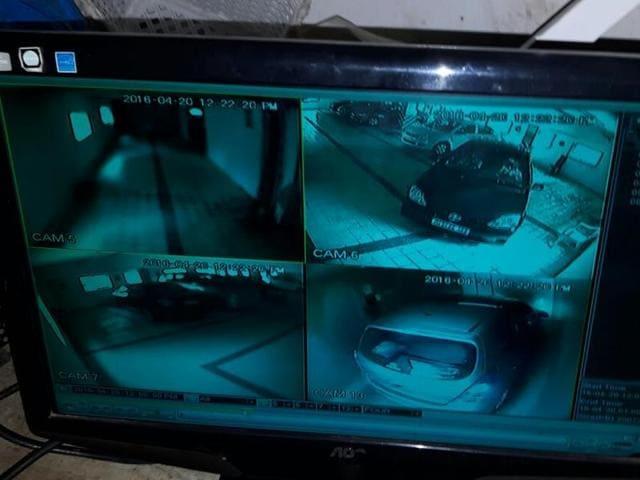 Mumbai car crash,Mumbai car falls down elevator,Hafiz Patel