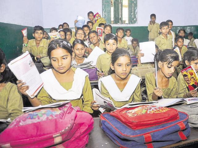 Ghaziabad,Government schools,Power cut