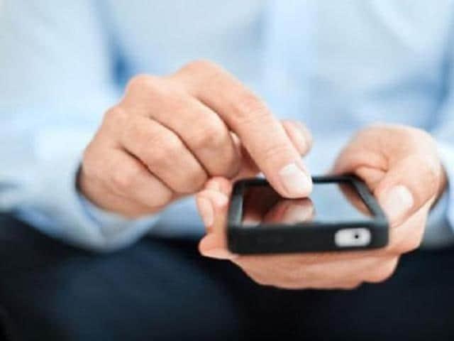 Smartphone app,smartphone,low vision