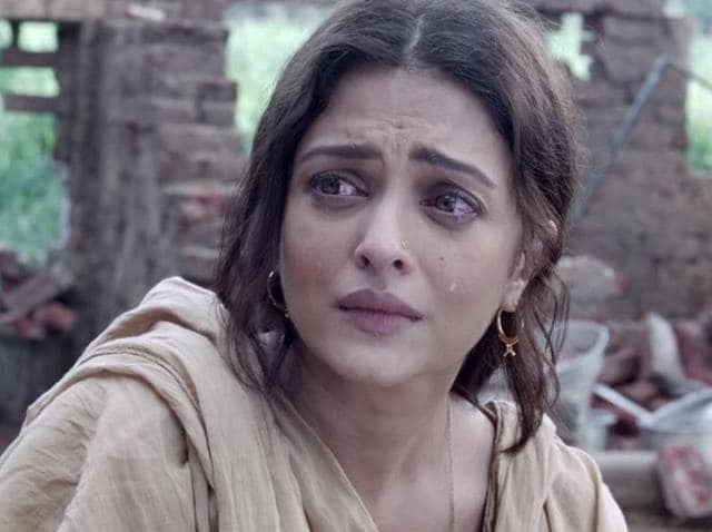 'Dard' is a touching, heart-wrenching number where we see the three lead actors Aishwarya Rai Bachchan, Richa Chaddha and Randeep Hooda captured in their moments of grief and fight. Sonu Nigam has lent his voice for the song.
