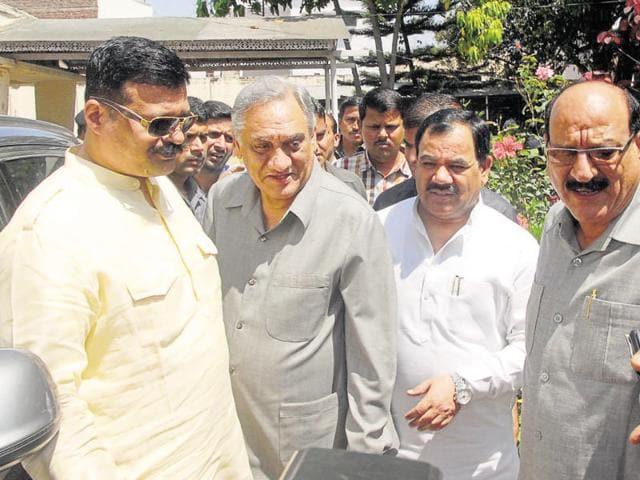 Congress rebel Kunwar Pranav Champion, Vijay Bahuguna, Harak Singh Rawat and Subodh Uniyal after a meeting.