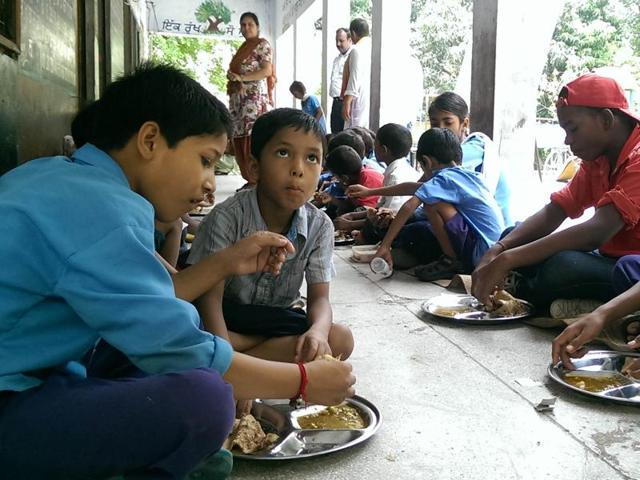 director general school of education,mid-day meal,panchayats