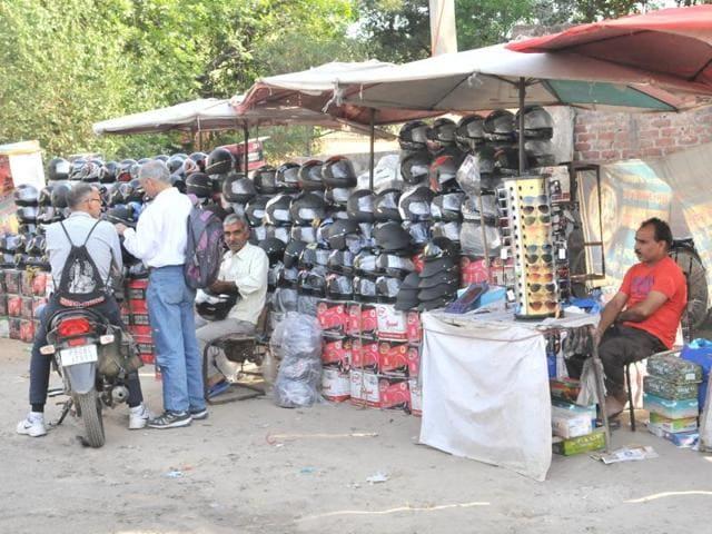 Road side vendors at Plaza Chowk in Jalandhar.