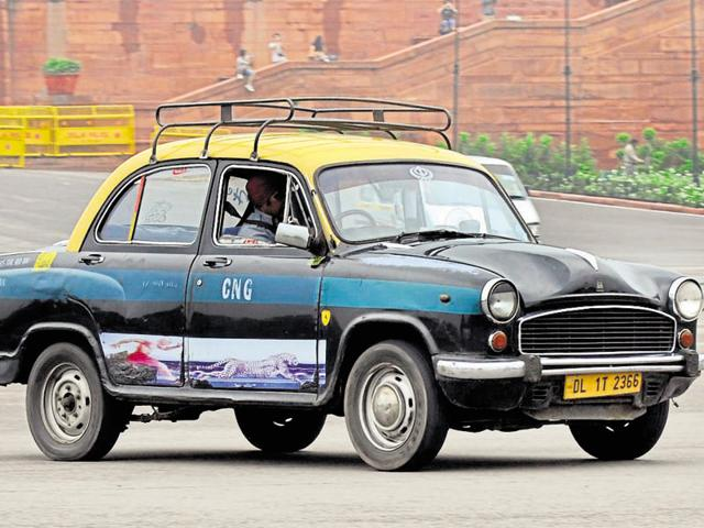 Commuters at the New Delhi railway station complained that kaali-peeli taxis were overcharging and that there was a lack of alternative means of transport.