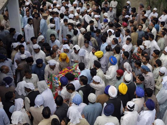 Pakistan arrests Hindu leader
