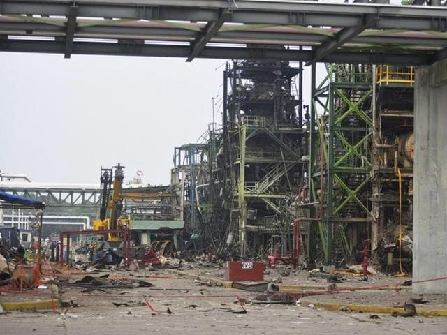 Patrochemical plant explosion,Mexico,Death toll