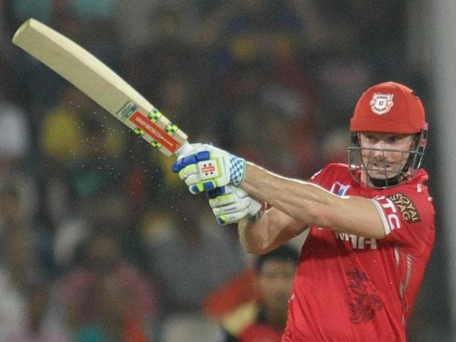 Kings XI Punjab batsman Shaun Marsh has received an official warning and reprimand for breaching the IPL Code of Conduct during the match against Sunrisers Hyderabad.