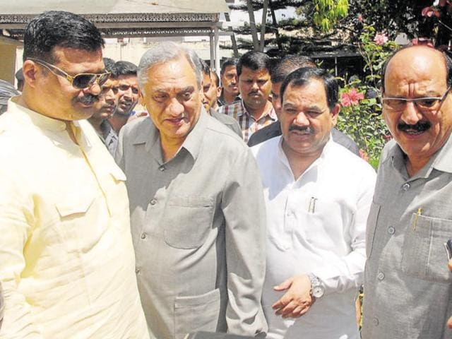 Uttarakhand's rebel Congress MLAs Kunwar Pranav Champion, Vijay Bahuguna, Harak Singh Rawat and Subodh Uniyal during a meeting at Harak Singh Rawat's residence in Dehradun.