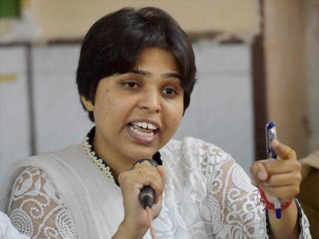 The RSS must allow women to become its members, said Trupti Desai, who has been leading a campaign for women's right to worship in temples, on Monday.