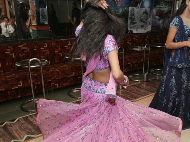 dance bars,Maharashtra,Dance Bar Regulation Bill