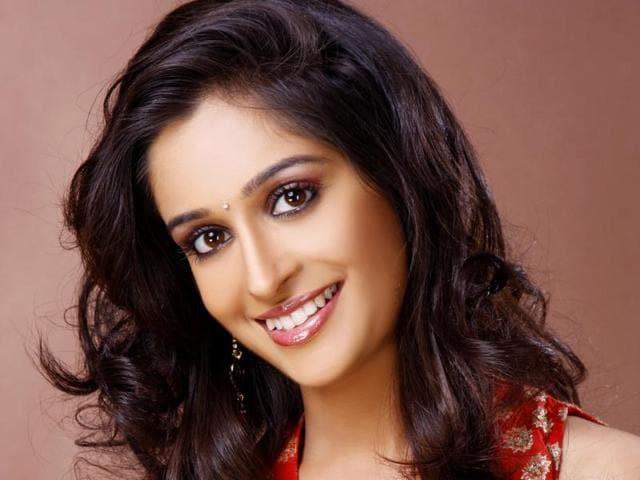 The Saasural Simar Ka team celebrated the five-year anniversary of her hit serial.