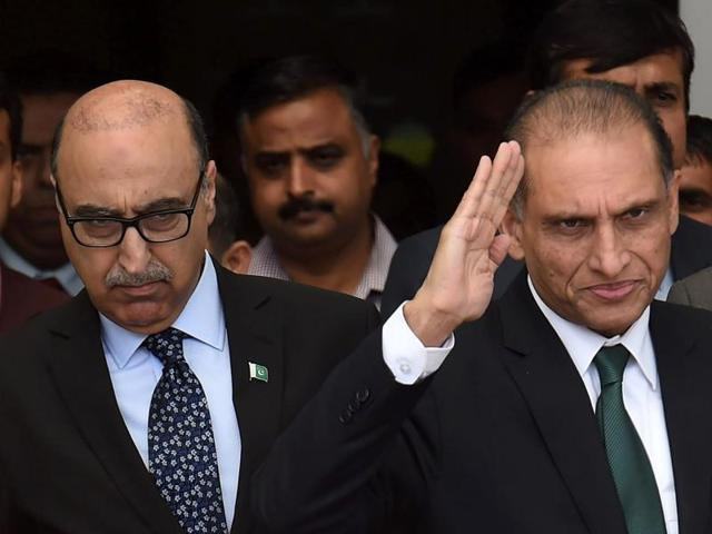 Indian foreign secretary S Jaishankar seen with his Pakistani counterpart Aizaz Ahmad Chaudhry and Pakistan high commissioner Abdul Basit in New Delhi on Tuesday.