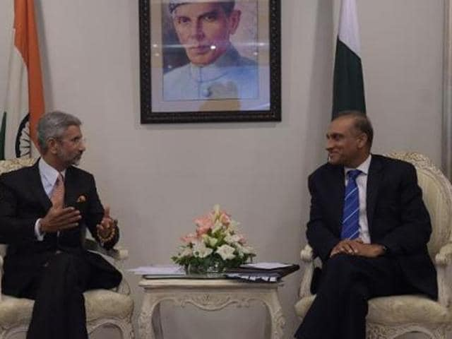 File photo of India's foreign secretary Subrahmanyan Jaishankar (L) holding talks with Pakistani counterpart Aizaz Ahmed Chaudhry at the foreign ministry in Islamabad.