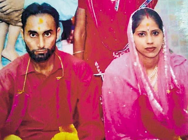 Murder accused Didar Singh with his deceased wife Navjeet Kaur.