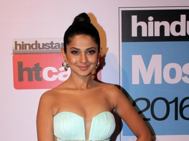 """""""Every girl should be single at 30, and experience it. It's a liberating feeling to be free,"""" says Jennifer Winget."""