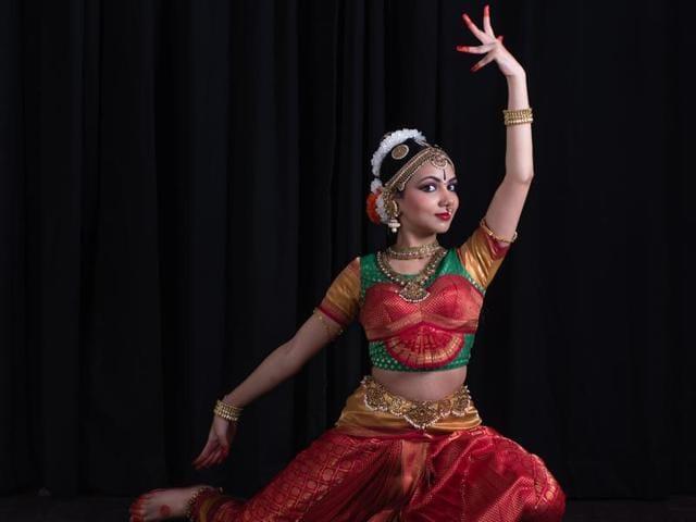 Trained by celebrated Kuchipudi exponents Dr Raja Radha and Kaushalya Reddy, Sanjana started performing Kuchipudi at the age of nine.