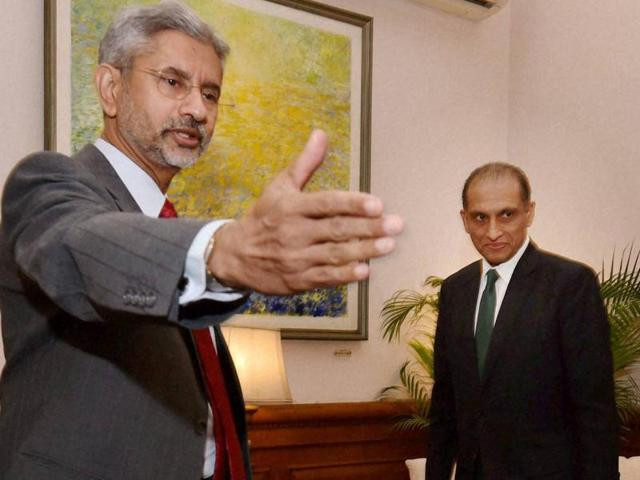 Foreign secretary S Jaishankar with his Pakistani counterpart Aizaz Ahmad Chaudhry before a meeting at South Block in New Delhi on Tuesday