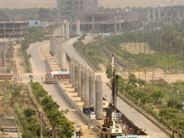 The Union ministry of environment and forest  and the Delhi Metro Rail Corporation have told the National Green Tribunal that there is no need to obtain environmental clearances for Metro projects.
