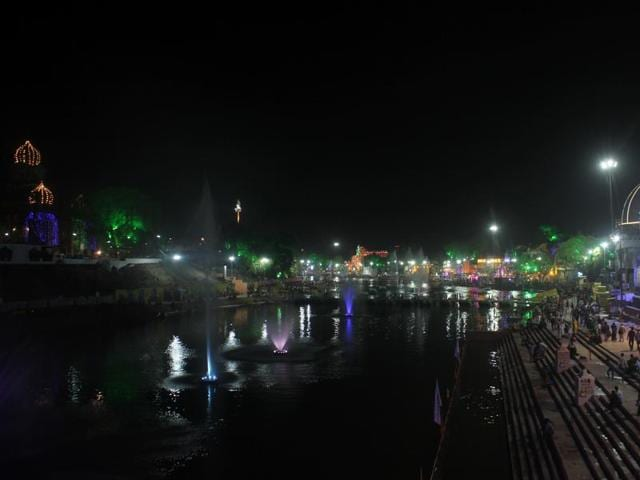 Ram ghat was overcrowded but a ghat adjoining it is half-empty.