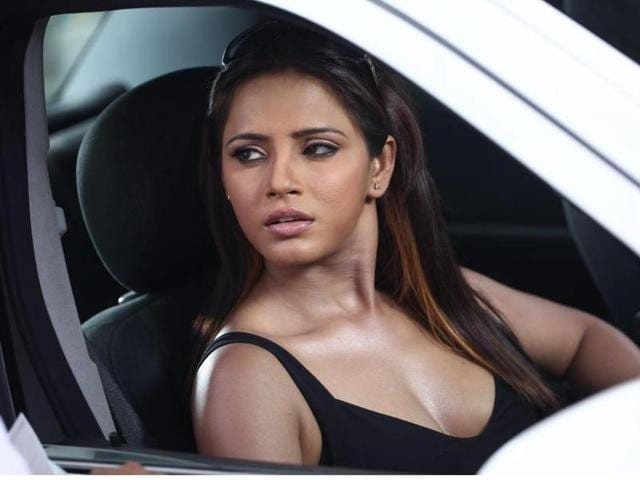 Neetu Chandra has questioned Bollywood's way of stereotyping Bihar in her letter.