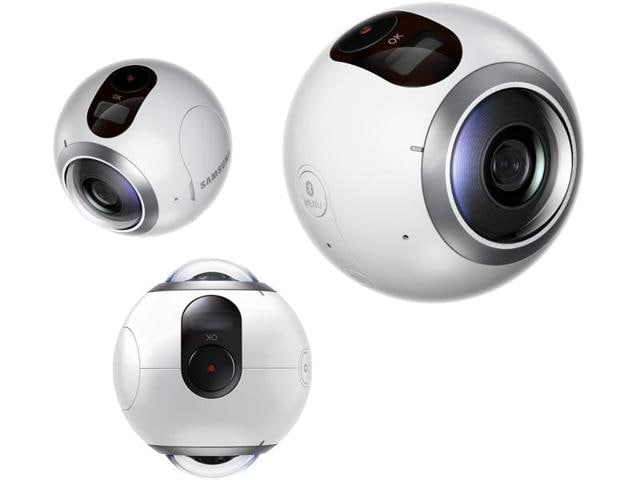 Called the Gear 360, the little sphere is designed to sit on a table, tripod or even hung from a drone to capture 360 degrees of video.