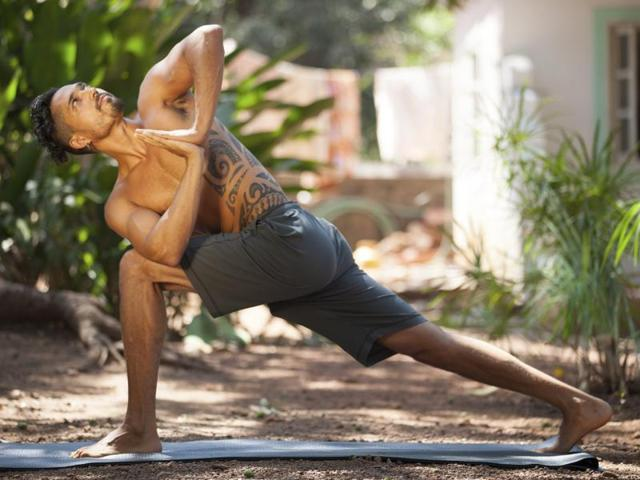 Real Men Do Yoga 3 Yoga Styles For Guys Who Want To Give