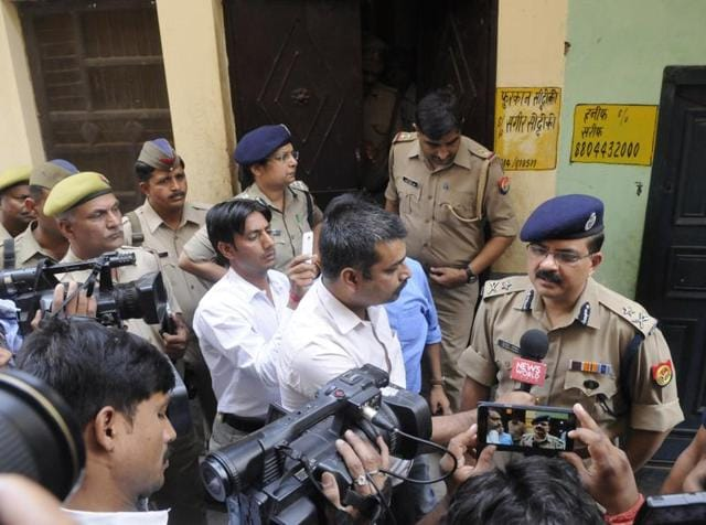 Sub Inspector Akhtar Khan's family and witnesses questioned the response of the raiding party after Khan was shot in the encounter. SHO Hom Singh Yadav, the senior-most officer in the raid, has been transferred to the police lines.