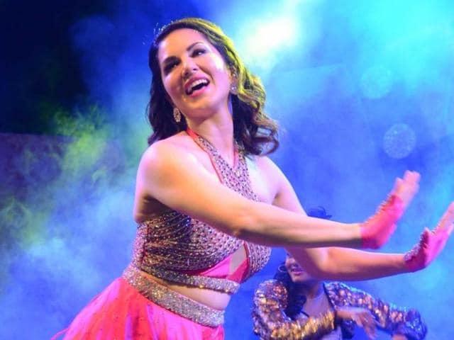 Sunny Leone,One Night Stand,Deepika Padukone