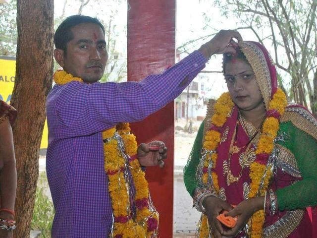 bride flees with valuables