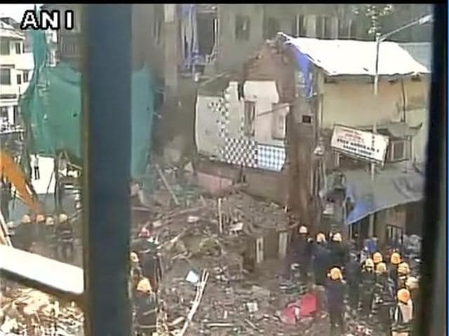 Spot visuals of the Mumbai building collapse.