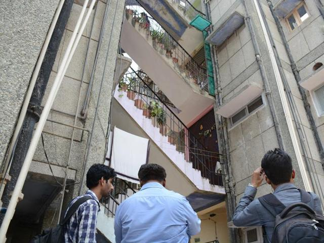 Kriti Tripathi, the 17-year-old girl who committed suicide in Kota on Thursday used to stay with her family in sector 17, Vasundhara in Ghaziabad before moving to Kota two years ago.