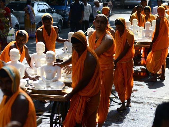 The nomadic monks of the Digambara sect don't wear clothes and defecate in the open— a century-old practice which the group fears will run afoul of the Central government diktat to panchayats to frame a law to penalise open defecators.(HT File Photo)