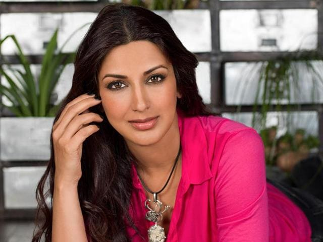 Sonali Bendre Behl will speak at a seminar in a school in London, UK, and will talk about parenting and women's health.