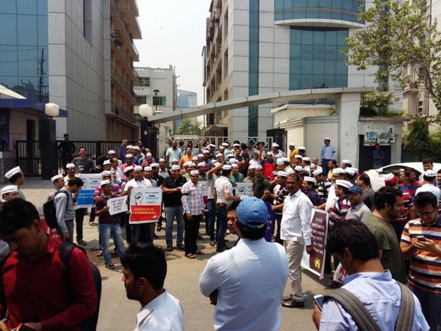 protest,homebuyers,delay