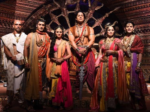 Dakssh Ajit Singh as Radhagupta, Ankit Arora as Sushim, Kajol Srivastava as Devi, Mohit Raina as Chand Ashoka, Somya Seth as Kaurwaki and Siamak.