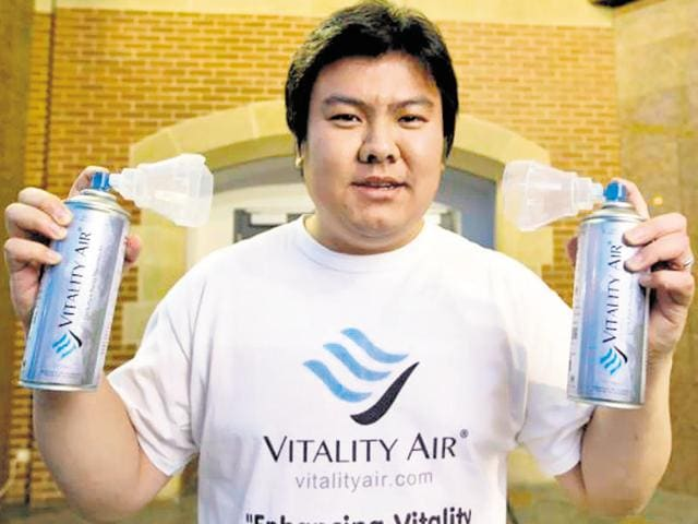 Vitality Air's founder Moses Lam has shipped nearly 12,000 pieces of the canned natural air to smog-hit Beijing.(HT Photo)