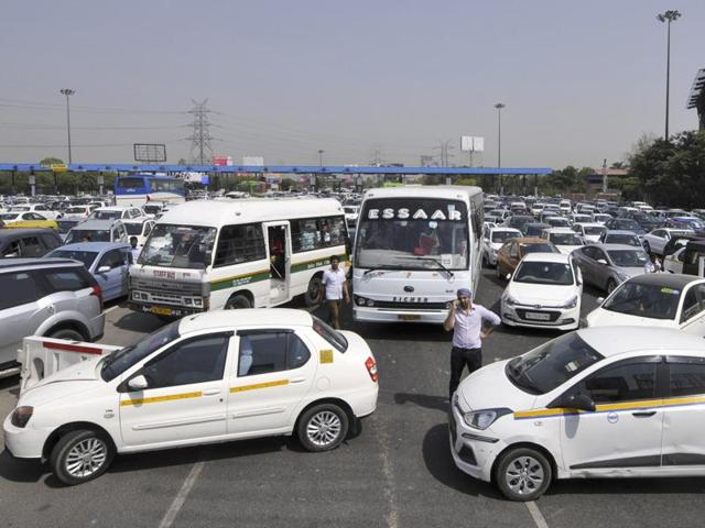 The Centre has said it will request the Supreme Court to reconsider the ban on plying of diesel cabs in the national capital.