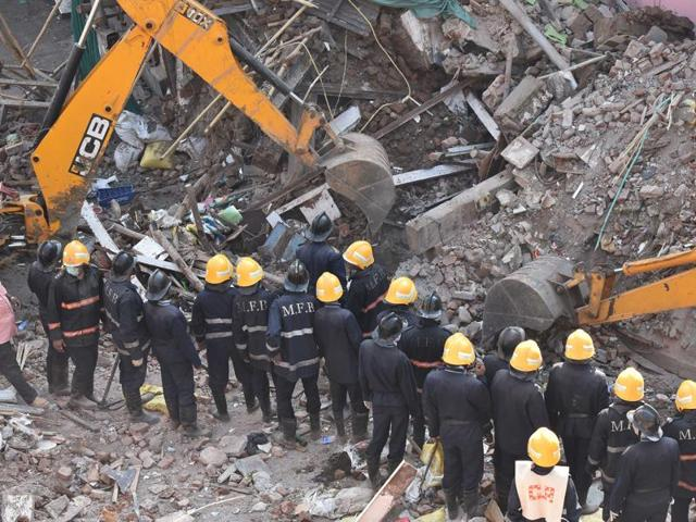 The fire brigade department, which carried out the rescue operation, will also submit this week a report on the cause of the collapse.