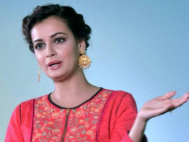 Actors Dia Mirza says Delhi's air pollution bothers her.