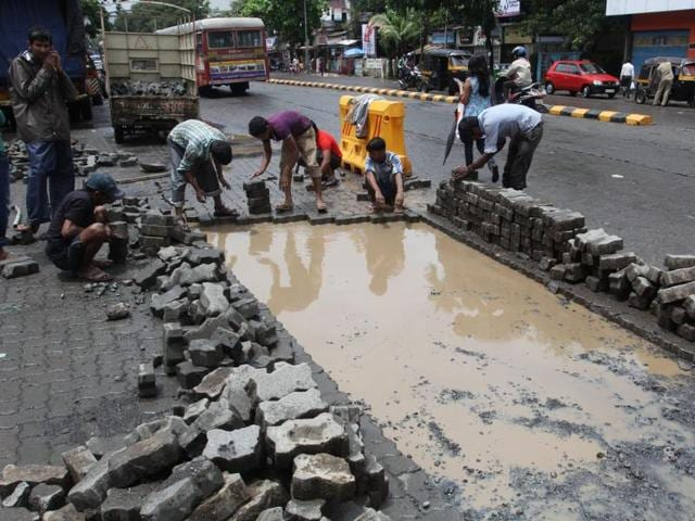 The total cost of the road project is around Rs400 cr.