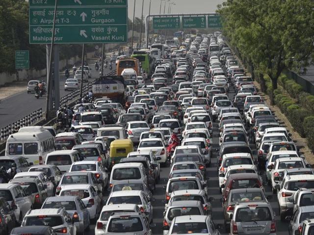 Massive traffic jams in Delhi-NCR over protests on diesel ...